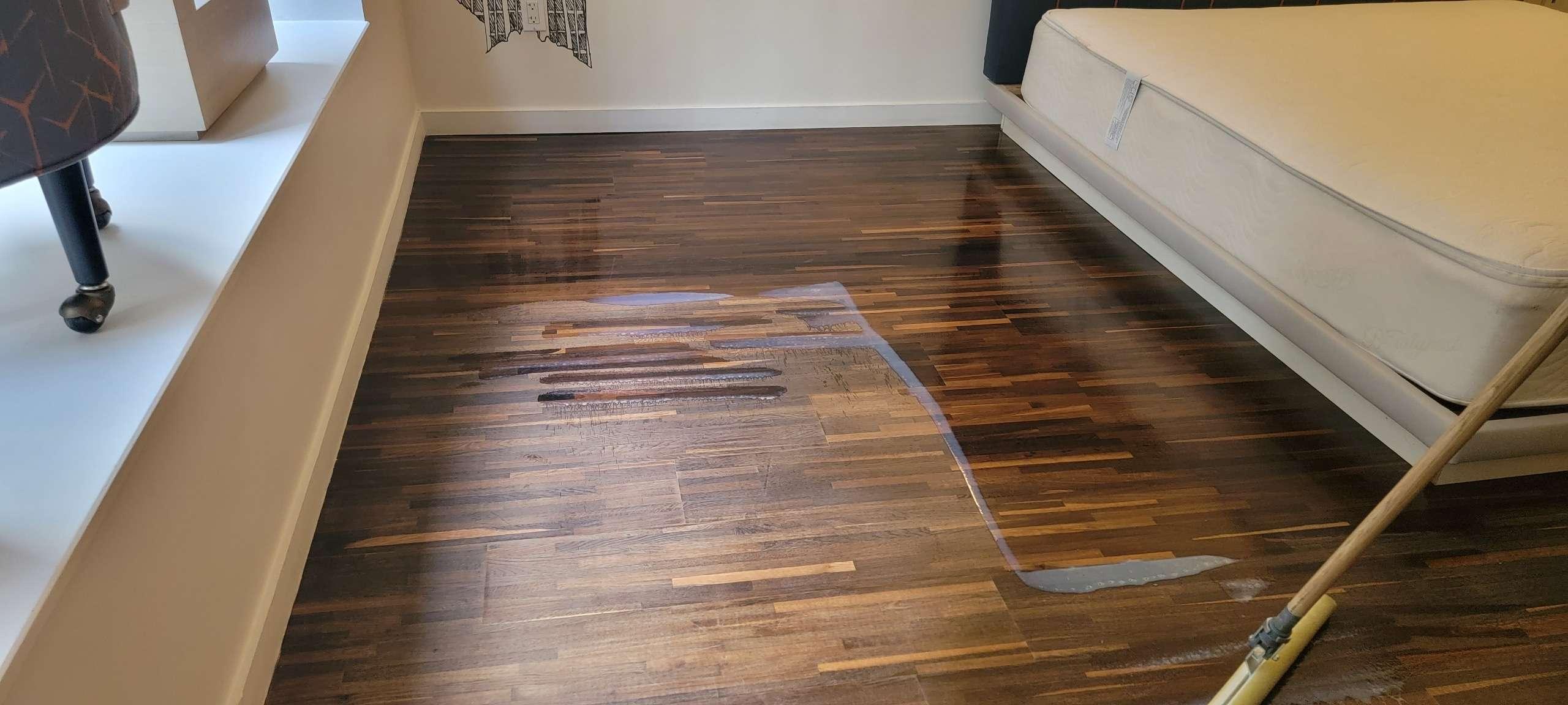 https://www.fantasticcarpetcleaningnyc.com/wp-content/uploads/2021/10/wood-floors-coat.jpeg